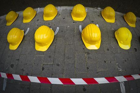 Incidenti sul lavoro, due morti e cinque feriti. Tutti in Lombardia
