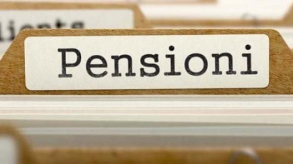 """Pensioni, i """"maxi tagli"""" del governo Conte per vedovi e invalidi"""