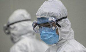 """La beffa dello scudo ai medici che protegge i loro """"capi"""" dalle cause per i ritardi sul virus"""
