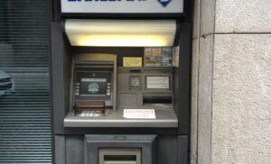 Bancomat, il rischio aumento dei costi sui prelievi di contante