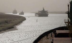 Canale di Suez, l'impatto del blocco sulle catene di fornitura durerà mesi